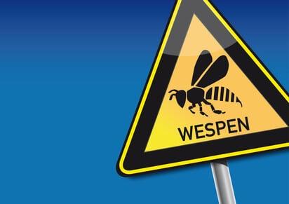 wespen was hilft warnschild